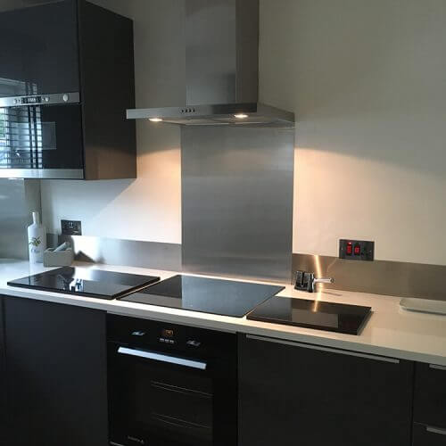 Stainless steel splash backs for kitchens