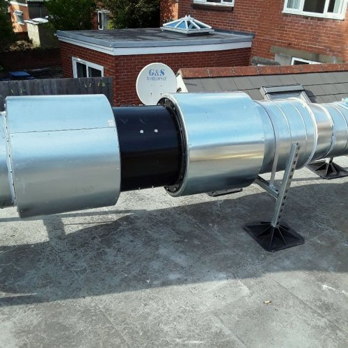 Stainless steel extract canopy by Dolphin Fabrications